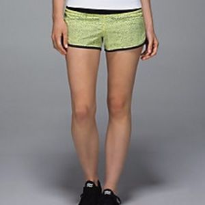 Lululemon Speed Short Dottie Dash Yellow Black